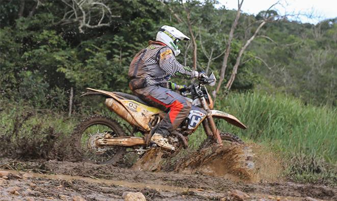 Motos: Piloto da Bianchini Rally, Elias Folly, é campeão do Rally Minas Brasil
